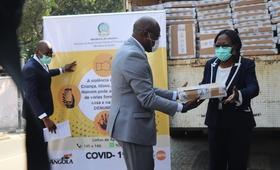 @UNFPAAngola / Entrega simbólica dos Kits de Higiene do UNFPA ao MASFAMU.